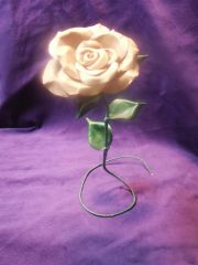 Free standing sculpted rose