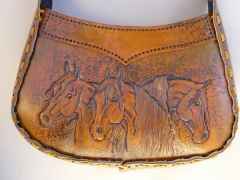 Horse purse finsihed!