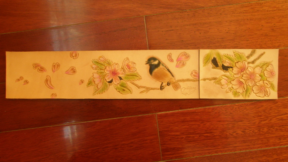 Flowers and birds figure carving leatherworker