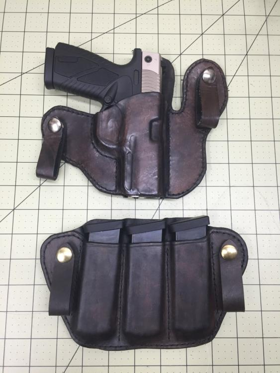 Bersa BP9CC IWB Holster and mag Pouch Complete.jpg