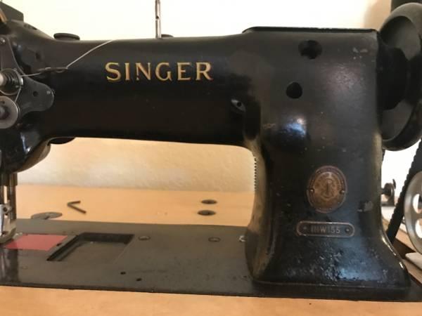Singer111.jpg