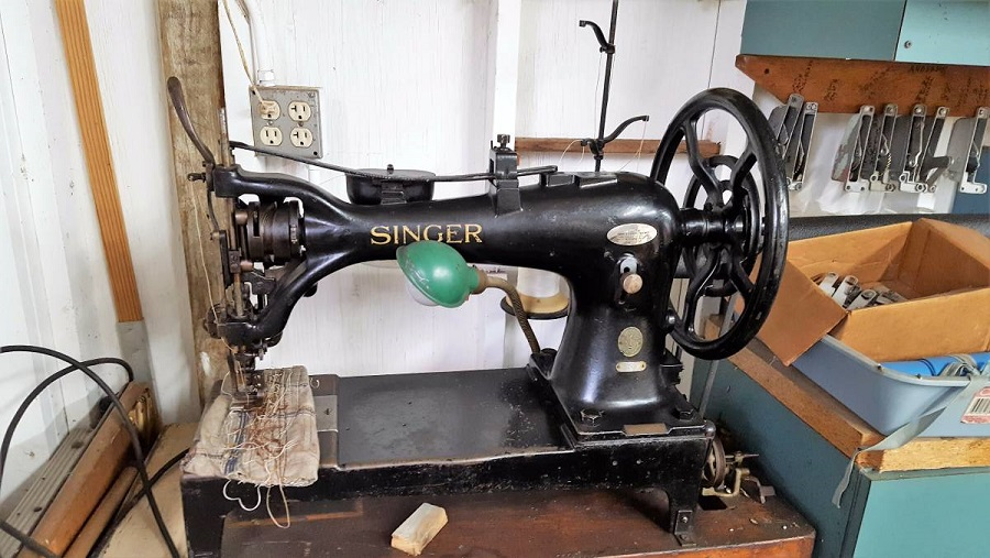 Looking For A List Of Older Sewing Machines That Can Handle 40 And Delectable Craigslist Industrial Sewing Machine