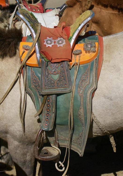 mongol saddle 2.jpg