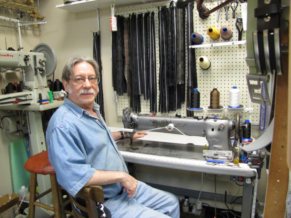 R&W Custom Leatherworks shop 123.JPG