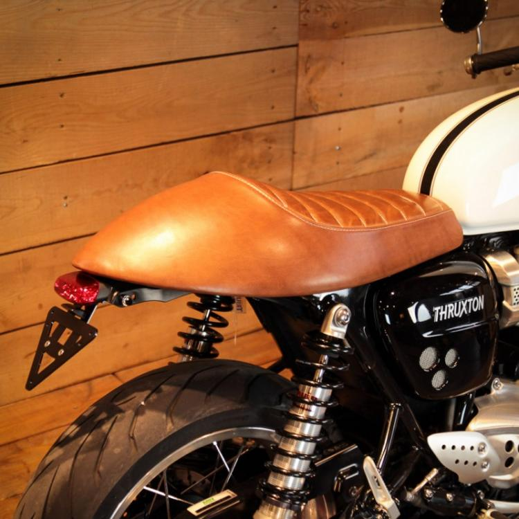 racer-leather-seat-triumph-thruxton-1200-single-3.jpg