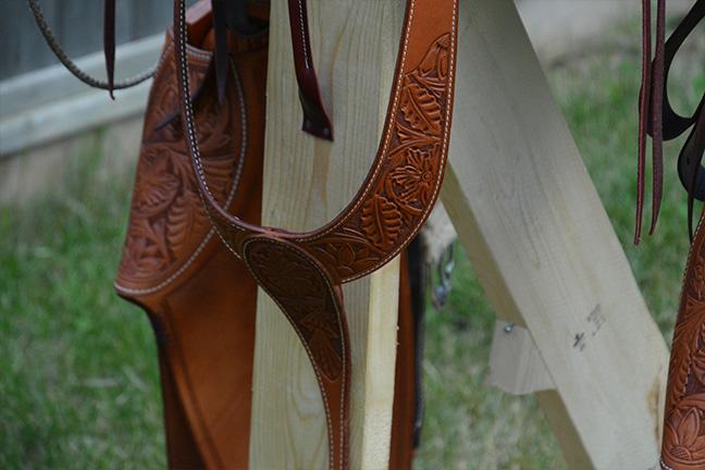 saddle04-06.jpg.322a3df0f84e5cf0515f6b00a0a13251.jpg