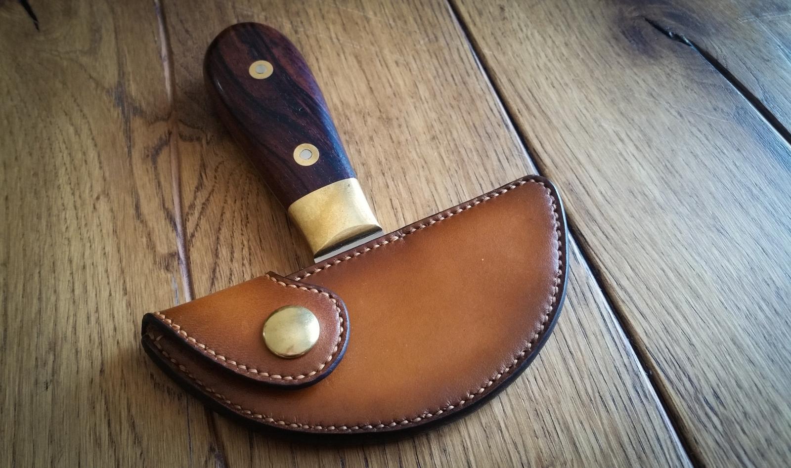 Round Knife Sheath Saddlers Journal Article