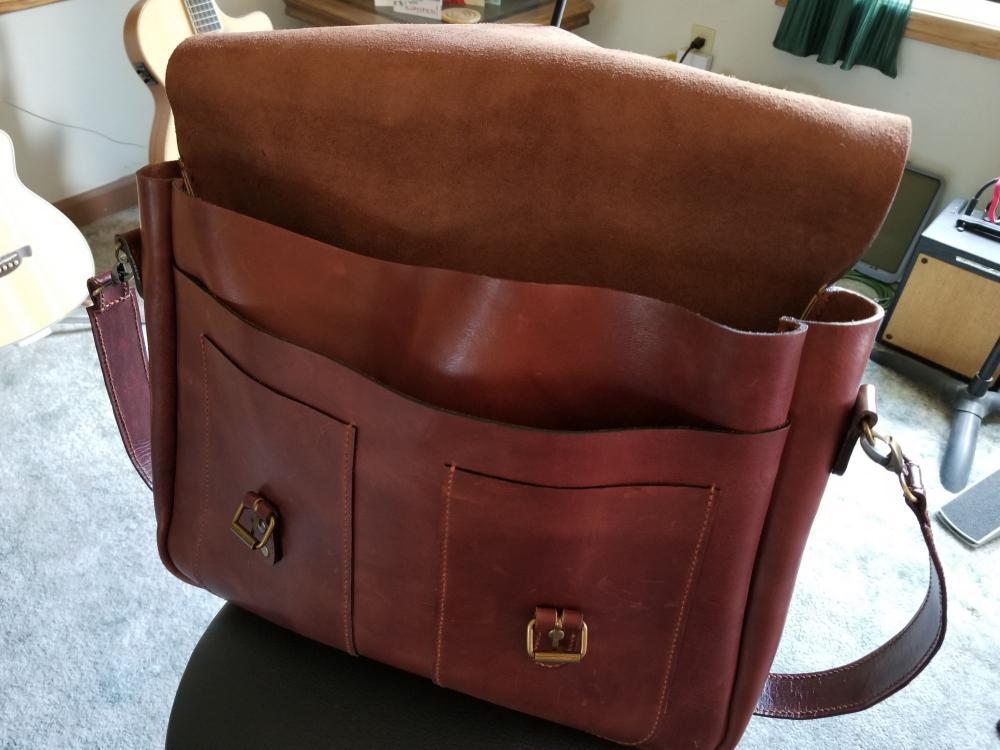 messenger bag 3.jpg