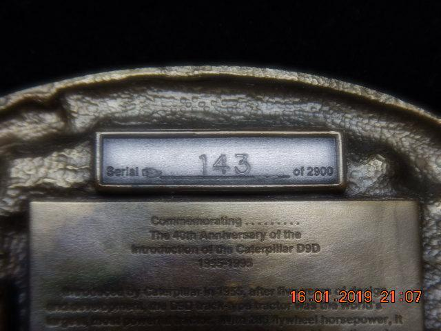 1 of 2900 Cat D9 40th anv. belt buckle