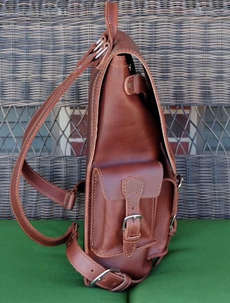 saddleback-thin-front-pocket-backpack-05a-1.jpg