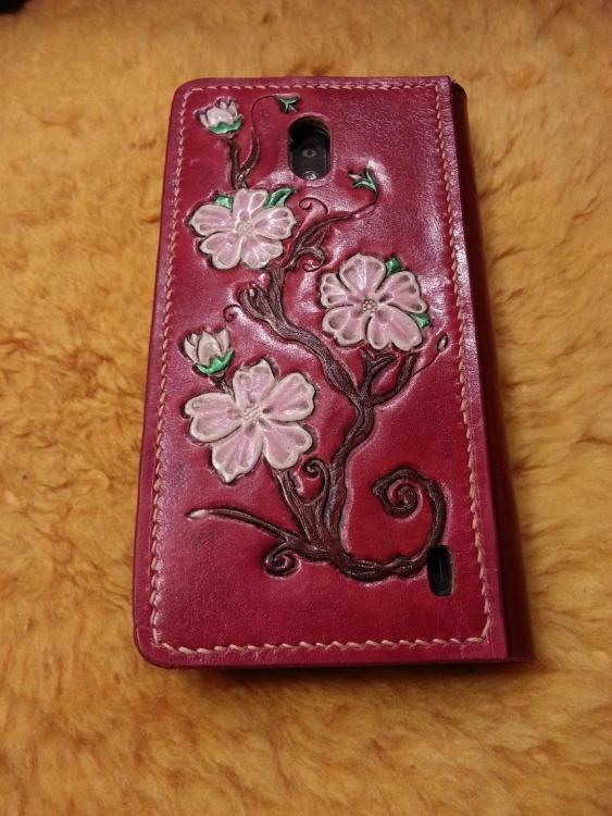 CherryPhone2LoRes.thumb.jpg.3c10c6698e7a5dbbde3707a35455905a.jpg