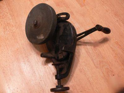 Vintage-hand-grinding-wheel-that-clamps-to-table-works-img.jpg.6ddff65ae81d6be0a579cef9cfbbb2c6.jpg