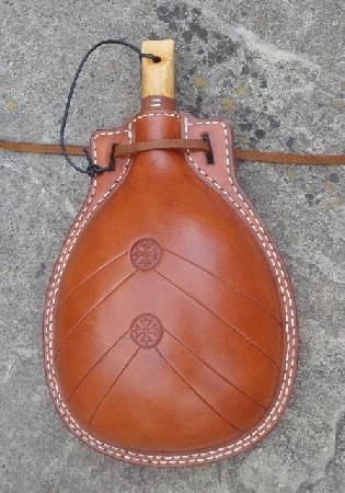Mary Rose flask, 01LWs.jpg